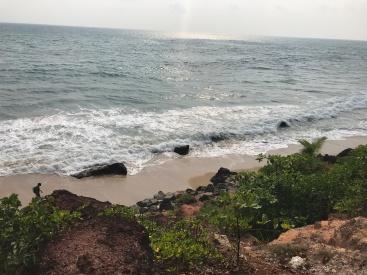 India waves crashing